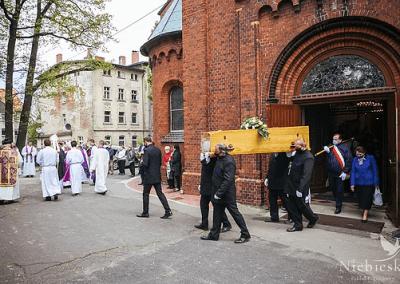 Organizacja pogrzebu - Niebieski Wałbrzych