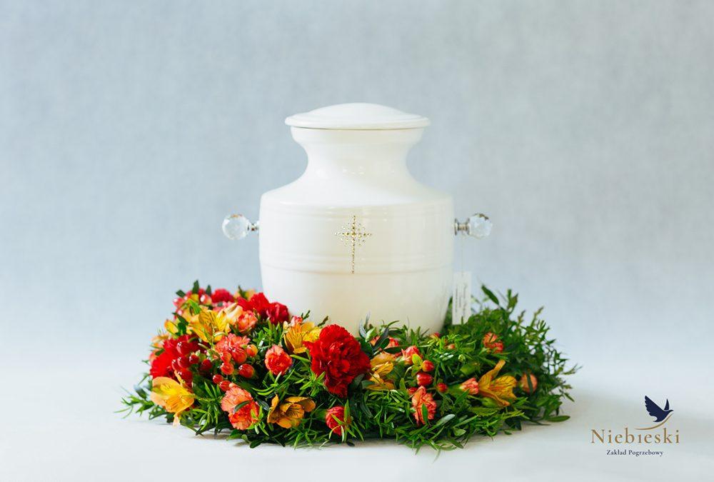 Florystyka funeralna wymowny element ceremonii pogrzebowej